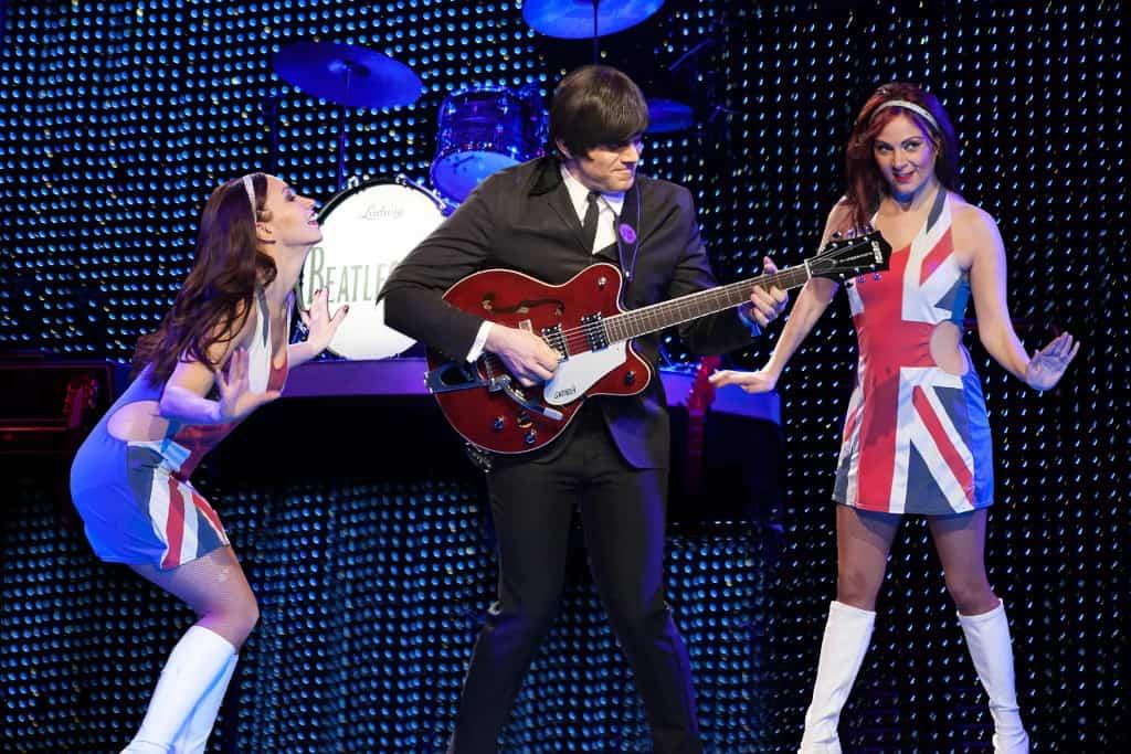 Beatleshow Las Vegas Dancing