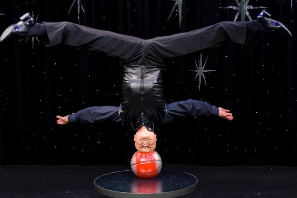 Big Little Variety Show Head Stand