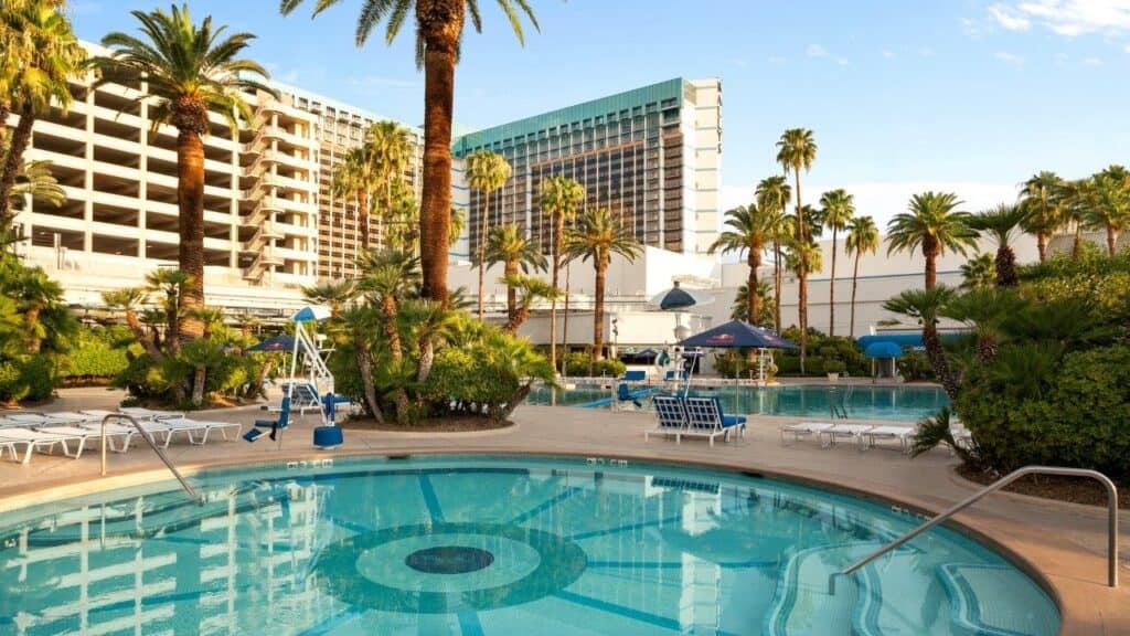 Blu Pool Tropical Oasis at Bally's Las Vegas Pool