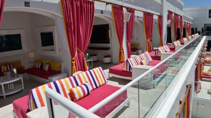 Cromwell Las Vegas Pool Cabana